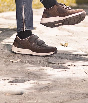 adaptive-shoes-woman-short